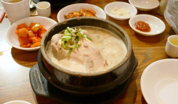 土俗村参鶏湯 토속촌삼계탕: 景福宮近くの超有名サムゲタンであたたまる