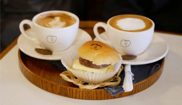モーメントコーヒー2号店: ゆるかわパンとコーヒーのお店