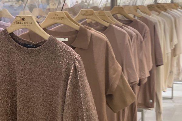 ショッピング:シンプルな服が欲しくて行ったお店